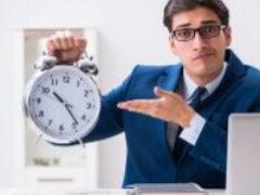 Налоговая служба напомнила о сроках сдачи отчетности в июле