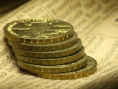 Стоимость золота впервые преодолела рубеж в $2000