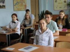 В Минпросвете передумали делать ЕГЭ по иностранному языку обязательным