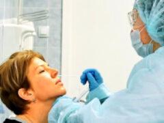 Названы категории людей с наименьшим риском заразиться COVID-19