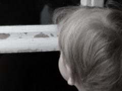 Очевидцы: В Архангельске мать выбросила четырехлетнюю дочку из окна