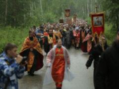 Епархия и схиигумен Сергий провели два крестных хода в Екатеринбурге