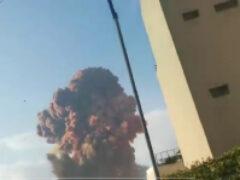 В порту столицы Ливана прогремел мощный взрыв