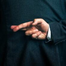 ФПА РФ рассказала, как отличить настоящего юриста от мошенника