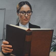 ФПА: адвокат имеет право на оплату труда по изучению материалов дела
