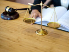 Суд посчитал законным увольнение временного работника накануне выхода на работу основного