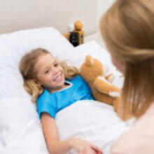 Родители детей-инвалидов смогут бесплатно жить в больнице, пока там лечится ребенок